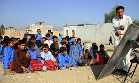 معلمان مدارس کابل اعتصاب کردند