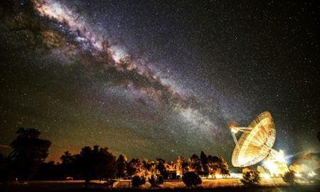 بمب خبری استیون هاوکینگ برای یافتن فرازمینی ها،اینبار از تلسکوپ رادیویی پارکس استرالیا
