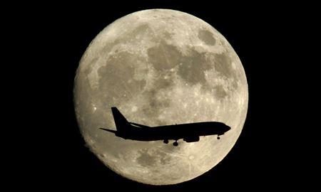 انسان آماده اقامت در ماه در دهه آینده