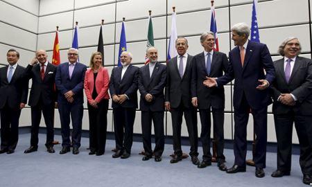 آمریکا و اتحادیه اروپا توقف تحریمهای هستهای ایران از 'روز اجرای توافق' را اعلام کردند