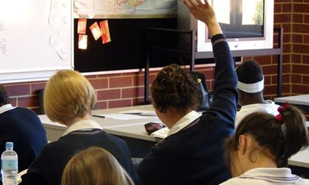یکچهارم دانشآموزان استرالیایی موفق به اخذ دیپلم نمیشوند