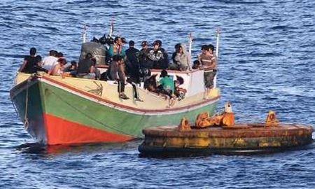 مذاکره اندونزی و استرالیا برای اسکان موقت پناهجویان در یک جزیره