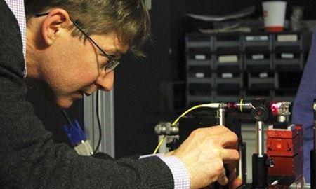 استرالیا موفق به ساخت گیت منطقی کوانتومی روی سیلیکون شد