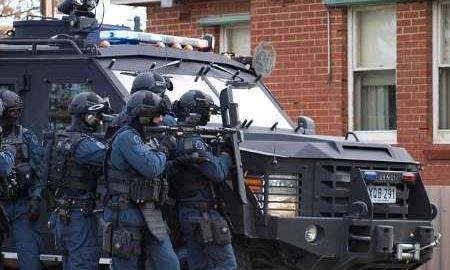 در یک عملیات ضد تروریستی ، پلیس استرالیا جوان 18 ساله ای را بازداشت کرد
