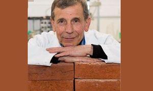 گفتگو با دکتر «عباس مهاجرانی»، محقق ایرانی در دانشگاه استرالیا  که موفق به ساخت آجرهایی از جنس ته سیگار شد