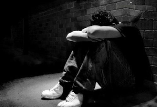 موضوع: افسردگی در نوجوانان و بزرگسالان/پاسخ به سئولات همراه با دکتر بهمن منصور زاده ، پزشک خانواده در استرالیا