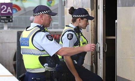 پلیس ملبورن هشت نفر را به جرم  ذخیره سازی  ۲۷۵ کیلوگرم مواد مخدر بازداشت کرد