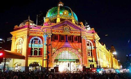 یک شب رویایی  و شاد در ملبورن استرالیا White Night Melbourne