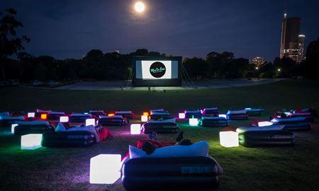 سیدنی ...ایالت نیو ساوت ولز/ تماشای فیلم بر روی تختخواب ( Mov' In Bed )