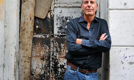 آشپز معروف آنتونی بوردین جمعه صبح دست به خودکشی زد