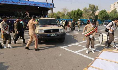 «حمله تروریستی» در رژه نظامی اهواز تا کنون 24 کشته و 53 مجروح داشته