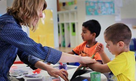 محققان استرالیا می گویند: کودکان مبتلا به اوتیسم میتوانند در مهدهای عادی آموزش ببینند