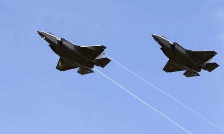 فرود اولین نسل از پیشرفته ترین جنگنده های جهان در استرالیا