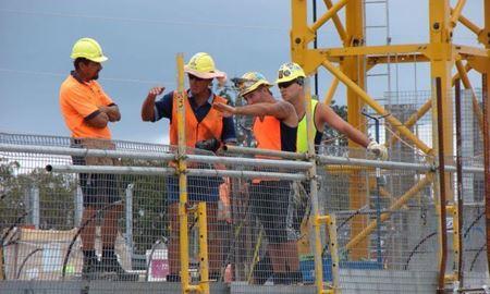 ادعای دولت  استرالیا : رشد اقتصادی کشور کاهش یافته است