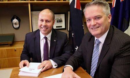 برخی از اقتصاددانان استرالیا معتقدند که مازاد بودجه ای که دولت به دنبال آن است به کسری بودجه تبدیل می شود