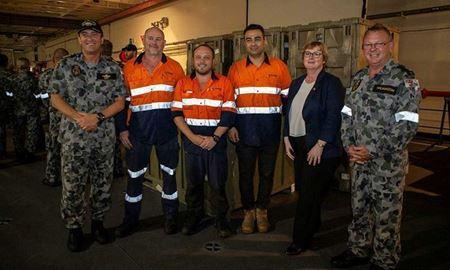 همراهی داوطلبانه یک ایرانی-استرالیایی با نیروی دریایی برای کمک به مهار آتش سوزی های گسترده استرالیا