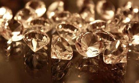 ابداع روش جدیدی برای خم کردن الماس توسط  محققان استرالیا
