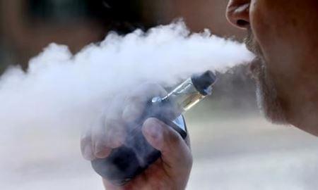 مصرف سیگار الکترونیکی شانس سیگاری شدن را افزایش می دهد