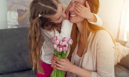 دومین یکشنبه «می»؛ روز جهانی «مادر»