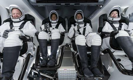 اولین سفر فضایی چهار شهروند عادی با موشک اسپیس ایکس به فضا