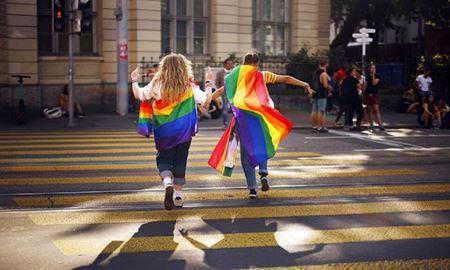 رای اکثریت شهروندان سوئیس به قانونی شدن ازدواج زوجهای همجنس