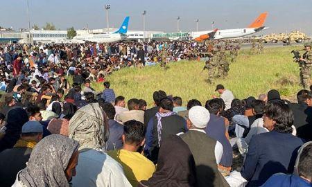 عفو بینالملل: کشورها بدون تشریفات بوروکراتیک پناهجویان افغان را بپذیرند